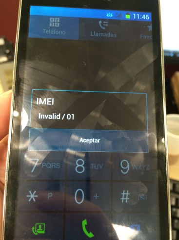 Efectivamente, no tenía ningún IMEI grabado. Bastó con inyectárselo para que se registrara en la red, aunque seguía siendo un mojón de móvil.